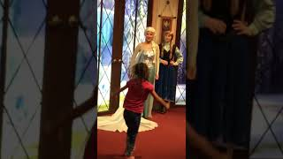Amberlyn and the meeting of Anna and Elsa together with the birthday invite