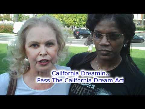 Michelle Phillips Performs California Dreamin...