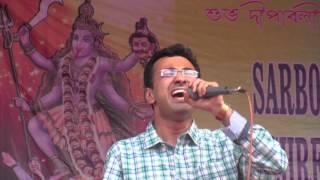 Santosh Deshpande singing Sun Ri Sakhi Meri Pyari