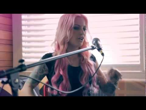 "GIN WIGMORE ""Man LIke That"" (acoustic) - BPMTV Performance"