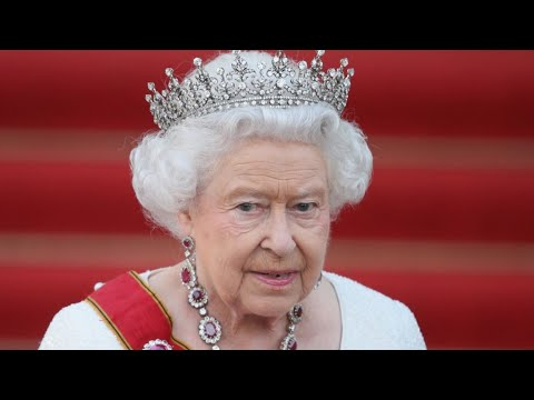 Queen Elizabeth Lives An Insanely Lavish Life
