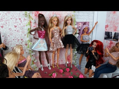 Barbie Doll Fashion Show. New Dress for Barbie. Dolls Video for Kids❤️