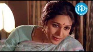 Aapathbandhavudu Songs - Chukkallara Choopullara Song - Chiranjeevi - Meenakshi Sheshadri