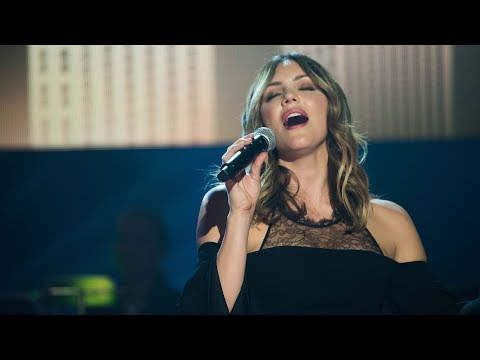 Katharine McPhee performs Somewhere Over the Rainbow on PBS Soundstage