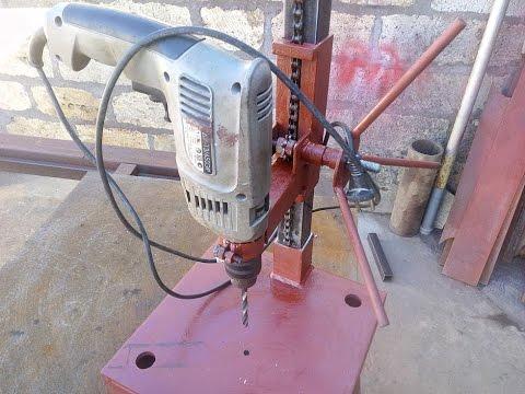 Как сделать настольный шлифовальный станок из дрели / Machine grinding of drills