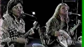 Watch Indigo Girls Gone Again video