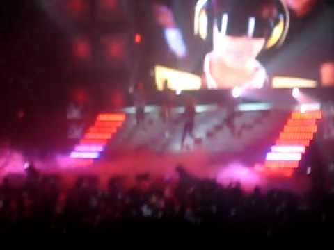 2ne1 intro FIRE and TALK [ THE PARTY] June 4, 2011
