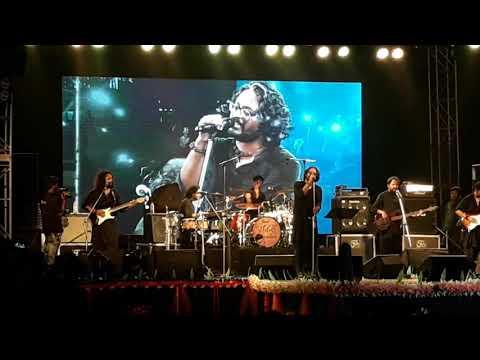 shei-tumi-keno-eto-ochena-hole-by-ayub-bacchu- -fakira-band-live- -dhaniakhali-college-social