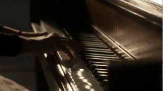"""Mascara 煙燻妝"" [MV] - G.E.M. 鄧紫棋"
