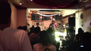 Momo(mo some tone bender)with pule(Yellow Fang) live at Heso in Shi...