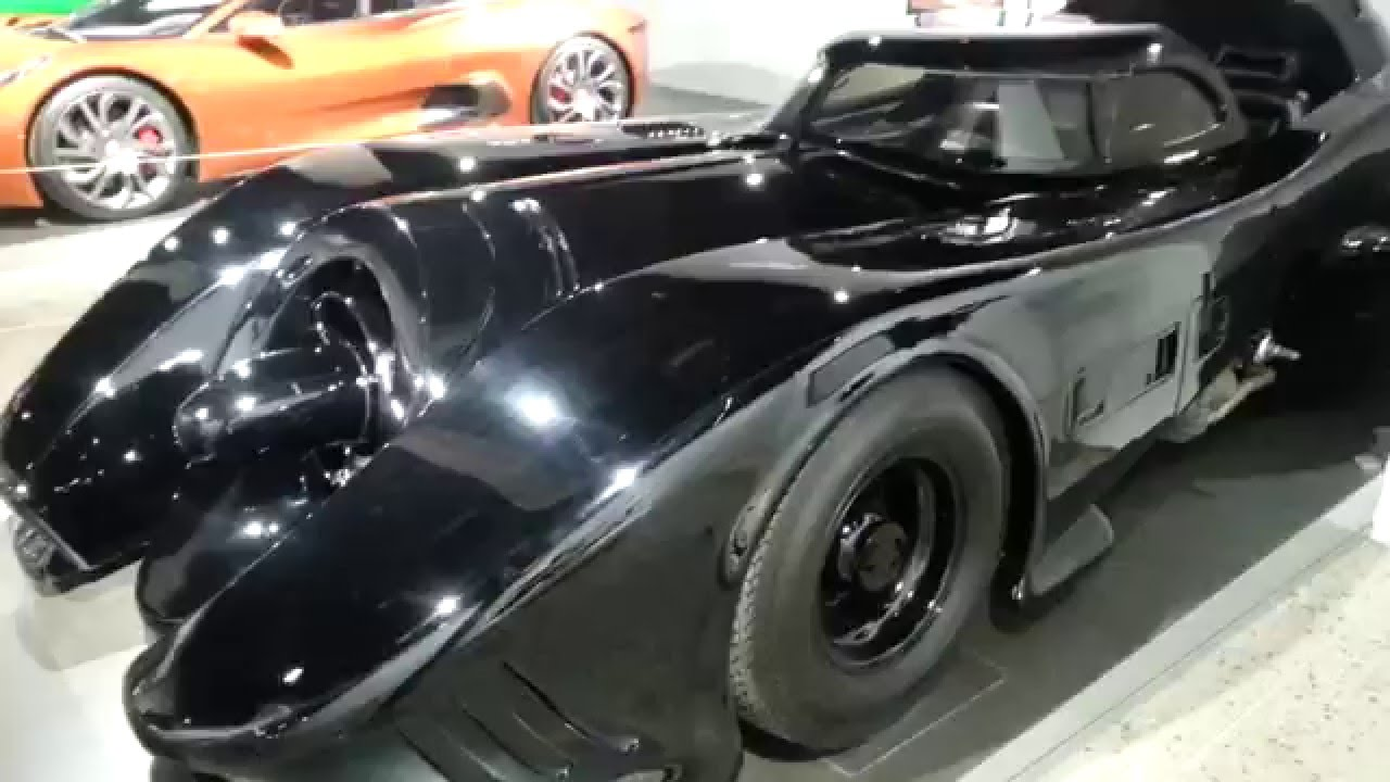 actual batman 1989 tim burton screen used batmobile at the petersen auto musem los angeles youtube. Black Bedroom Furniture Sets. Home Design Ideas