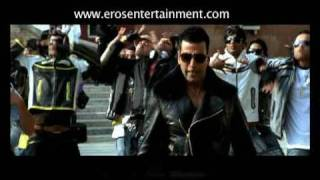 Akki teases Bebo (Official Trailer) -  Kambakkht Ishq
