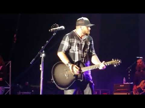 Brantley Gilbert *Outlaw in Me* WCOL Country Jam 2017