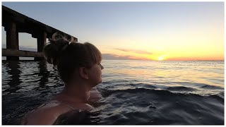 Купаюсь на море Залили пол в кухне 24 10 2020 Абхазия Сухум