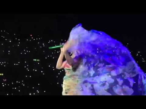 Katy Perry Zurich 2015 unconditionally