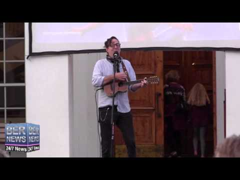 Mike Hind At Earth Hour Celebrations, Mar 29 2014