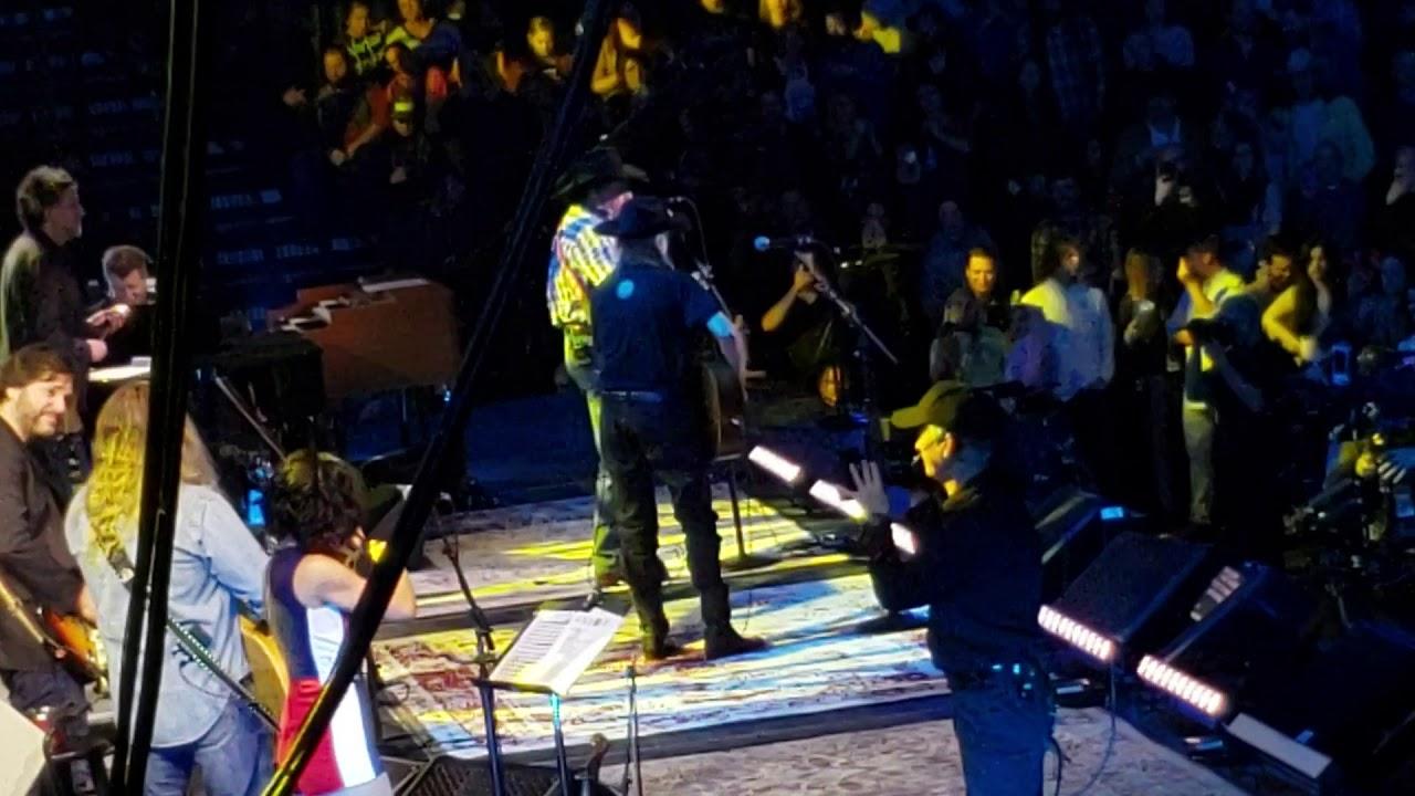 Dave Matthews, Derek Trucks, & All-Star Lineup Honor Willie