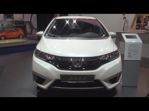 Honda Jazz 1.3 Comfort (2016) Exterior and Interior in 3D