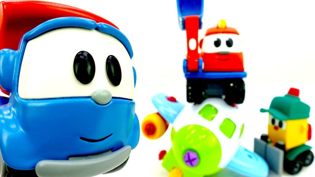 Vamos consertar o avião do Léo, o caminhão! Histórias educativas com brinquedos para crianças