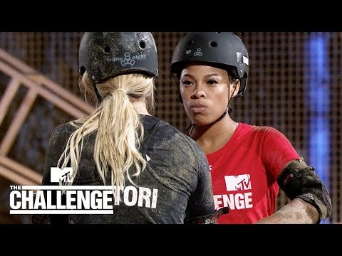 Kam vs. Tori 💪 Crazy Eight | The Challenge: Vendettas