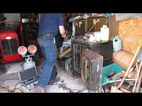 Opening old Hall\'s safe. With a surprise! TEAR GAS!