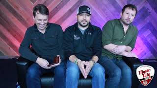 Tiny Couch Interview with Jason Aldean