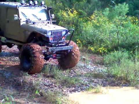 Jeep wrangler on 44 boggers - YouTube