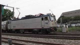 Amtrak horn blasters in New London CT (must see!)