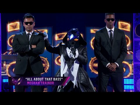 """Penguin Sings """"All About That Bass"""" By Meghan Trainor 