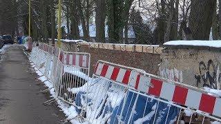 Hřbitovní zeď se již opravuje