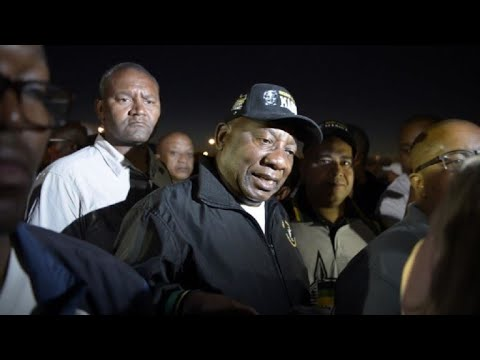 Ramaphosa takes early morning walk to promote healthy living
