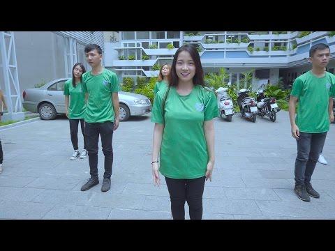 Sinh viên UEH gây bão mạng với màn Flashmob