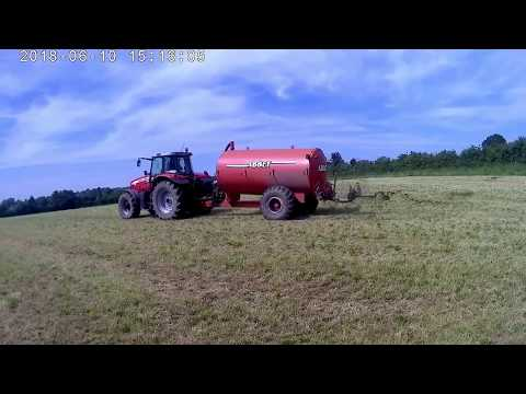 Spreading dirty water with our slurry tanker
