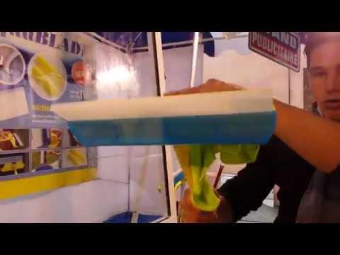 Foire de paris 2010 nettoyage des vitres funnydog tv for Raclette a vitre silicone
