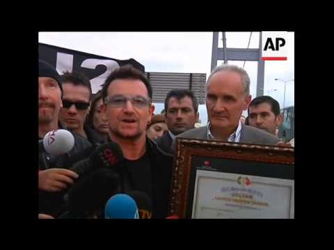 Bono, U2, meet Erdogan; walk across Bosphorus bridge