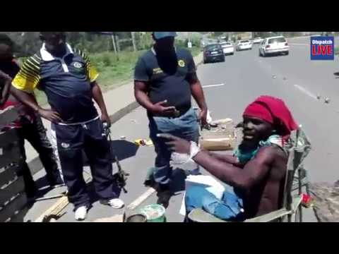Lone Protestor Takes On Busy Mthatha Road Youtube