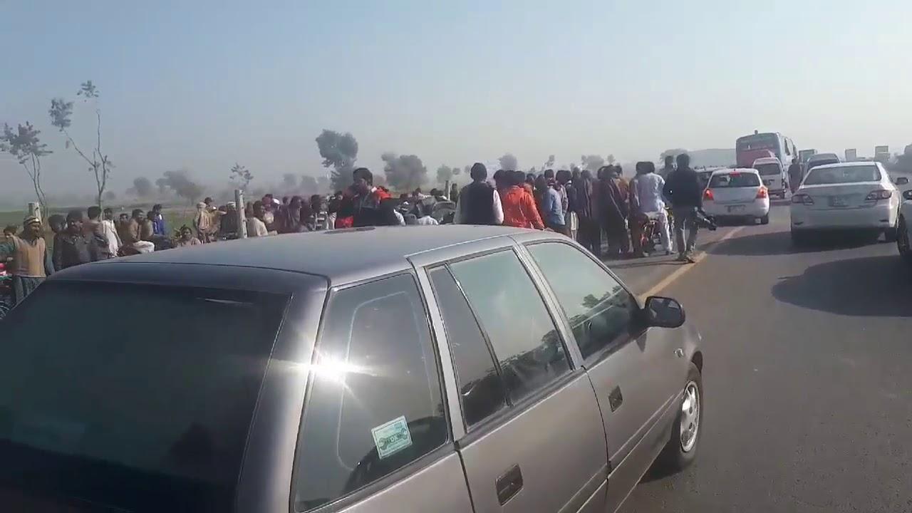 Dangerous accident in Okara   Accident In Okara   Today Accident in Okara
