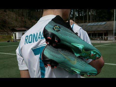 Nike Mercurial Superfly CR7 Chapter 6 - Playtest