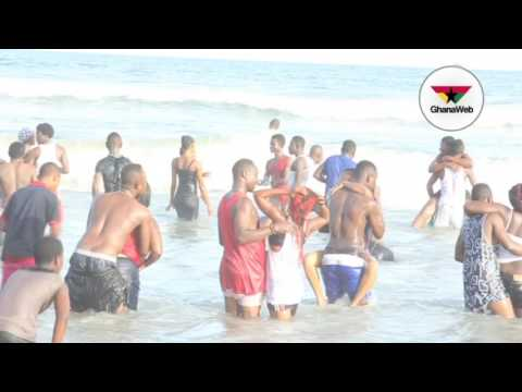 Thousands of revelers celebrate Easter holiday at Labadi beach