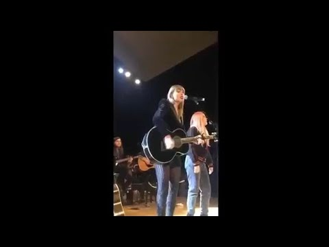 Delicate - Taylor Swift live @Ally Coalition Mp3