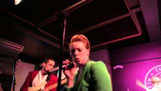 La Roux: Watch a medley of her hits from Jack Rocks The Macbeth live show