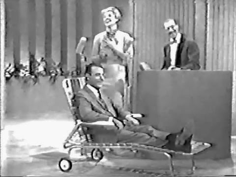You Bet Your Life #60-02 Fenneman on the psychoanalyst's lawn chair ('Clock', Sept 29, 1960)