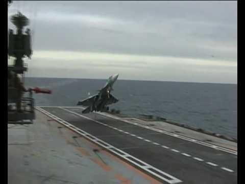 Su-33 Unsuccessful cobra landing attempt - Admiral Kuznetsov ( RuAF)