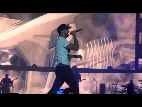 Live concert (LUKE BRYAN) KICK THE DUST UP😘
