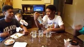 США. Подростки пробуют аджику, кефир, и и баклажанную икру. Часть 1.