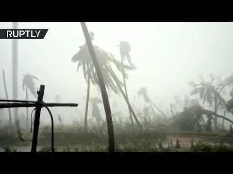 Cyclone hits India at 125km/h speed, kills at least 8