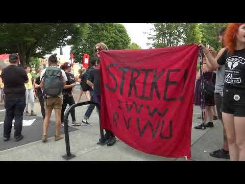 Burgerville Workers Strike on Labor Day