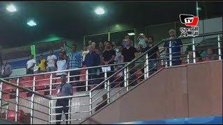 هانى رمزى وأحمد ناجى يتابعون مباراة الأهلي ودجلة من مقصورة استاد السلام