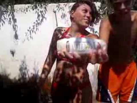 Nuovo spot bagnoschiuma vidal forza juveee youtube for Bagnoschiuma v