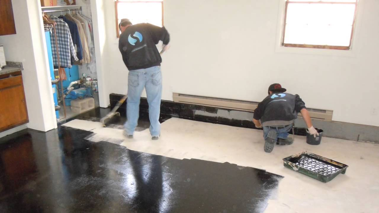 Trucrete how to apply truamour one day epoxy garage for Mechanic shop flooring